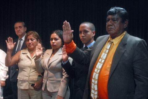 Rosa Tomalá (i), Angélica Vera, José Pérez y Mario Vera, nuevos miembros de Símbolos Patrios.